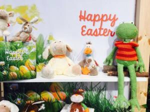 Wir schauen uns die Neuheiten an - vieles dreht sich jetzt schon um das Thema Ostern...