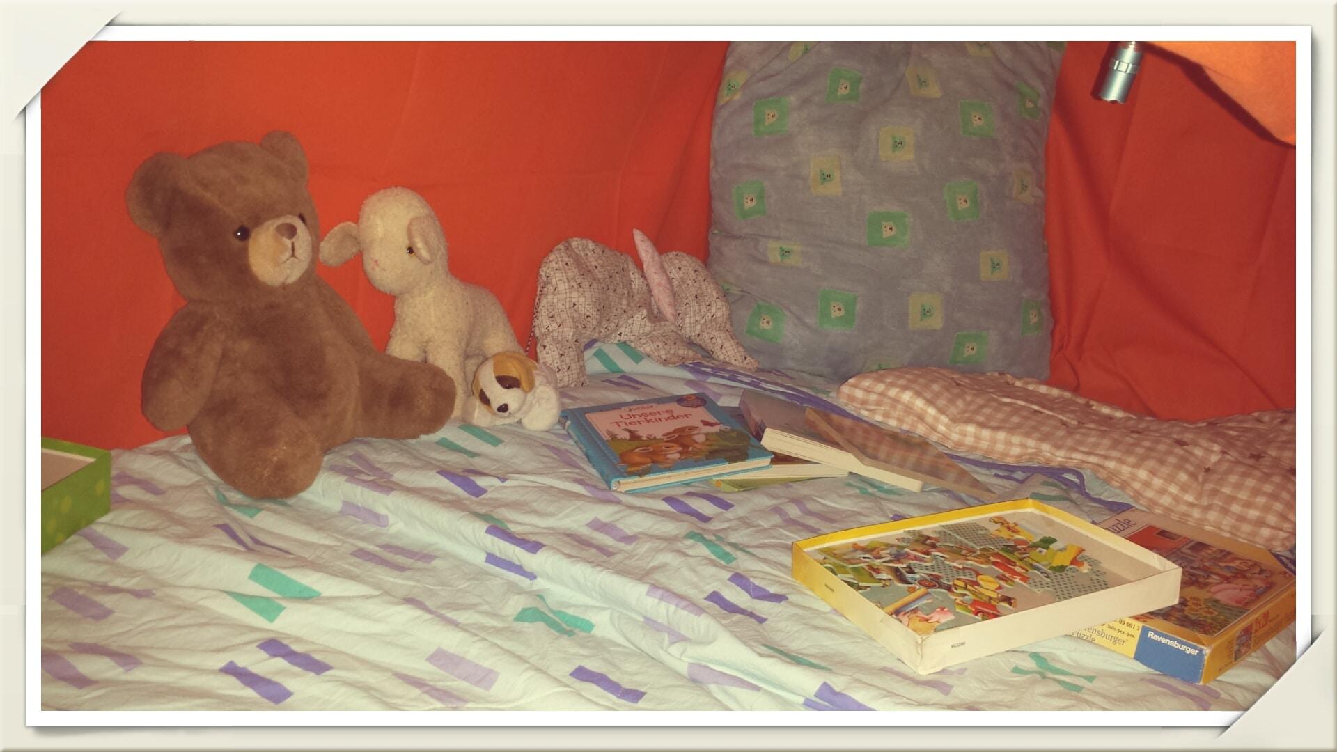 Homestory unser kinderzimmer ist bunt gebraucht und - Kuschelhohle kinderzimmer ...
