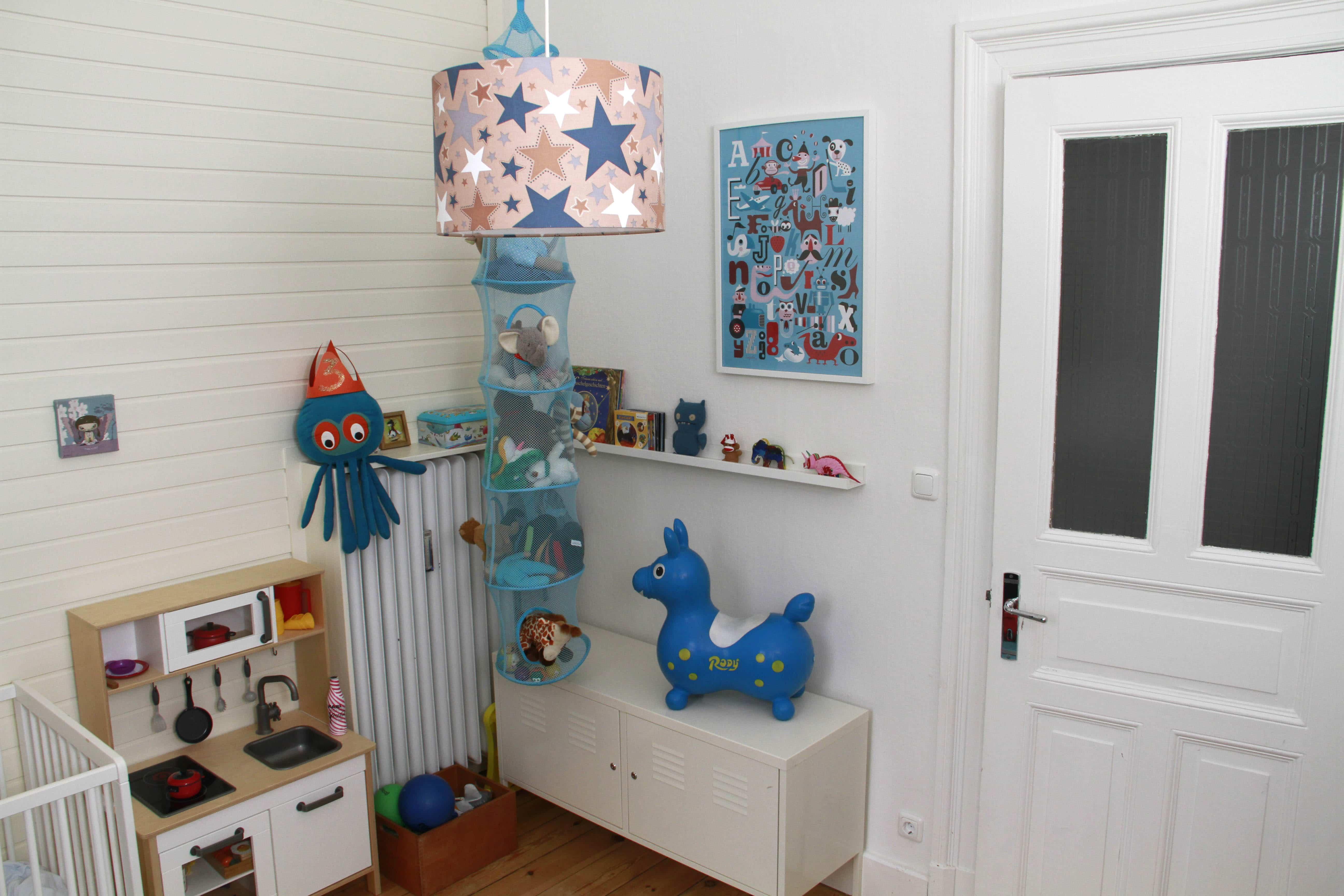 homestory willkommen in mamaclevers weltraumzimmer. Black Bedroom Furniture Sets. Home Design Ideas