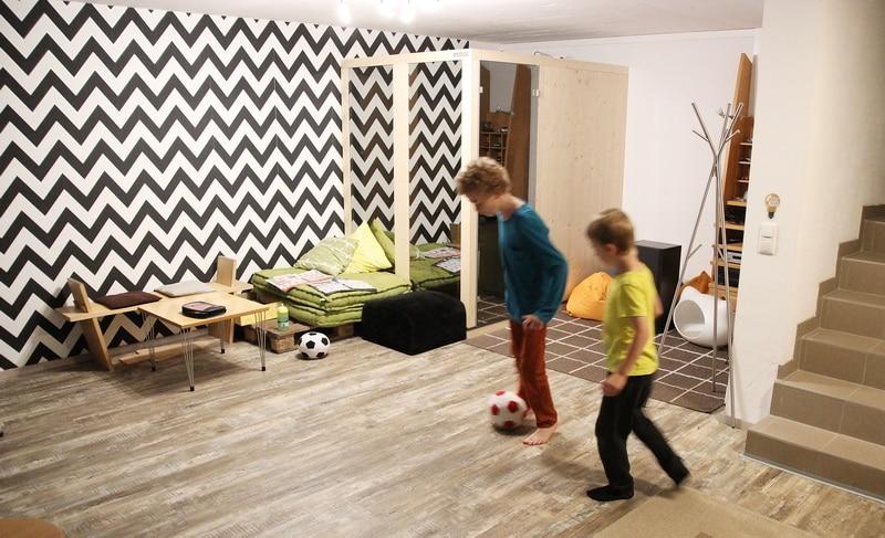 """Homestory: """"unser kinderzimmer ist bunt, gebraucht und chaotisch ..."""