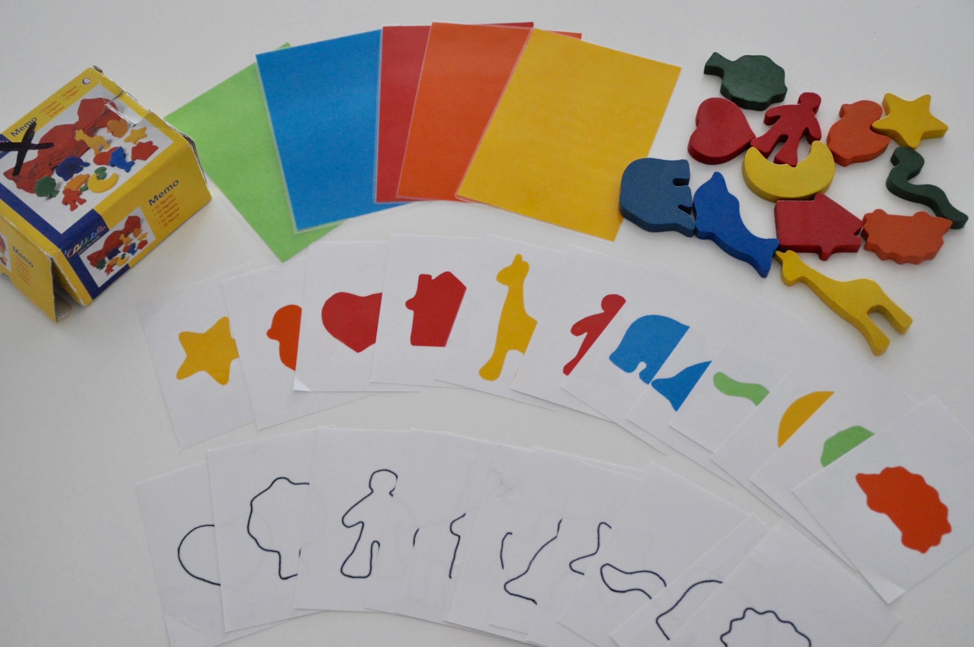 montessori inspirierte spiele selber machen farben lernen figuren zuordnen mamablog einer. Black Bedroom Furniture Sets. Home Design Ideas