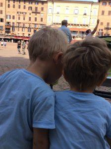 Mit Zwillingen in Siena.