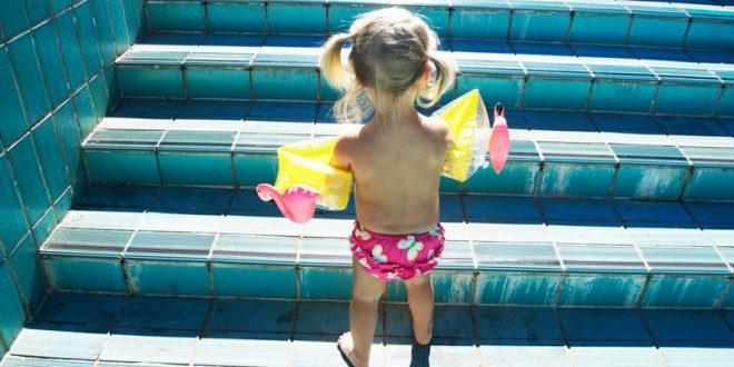Flamingo Schwimmflügerl (Foto: diemacherei.com)