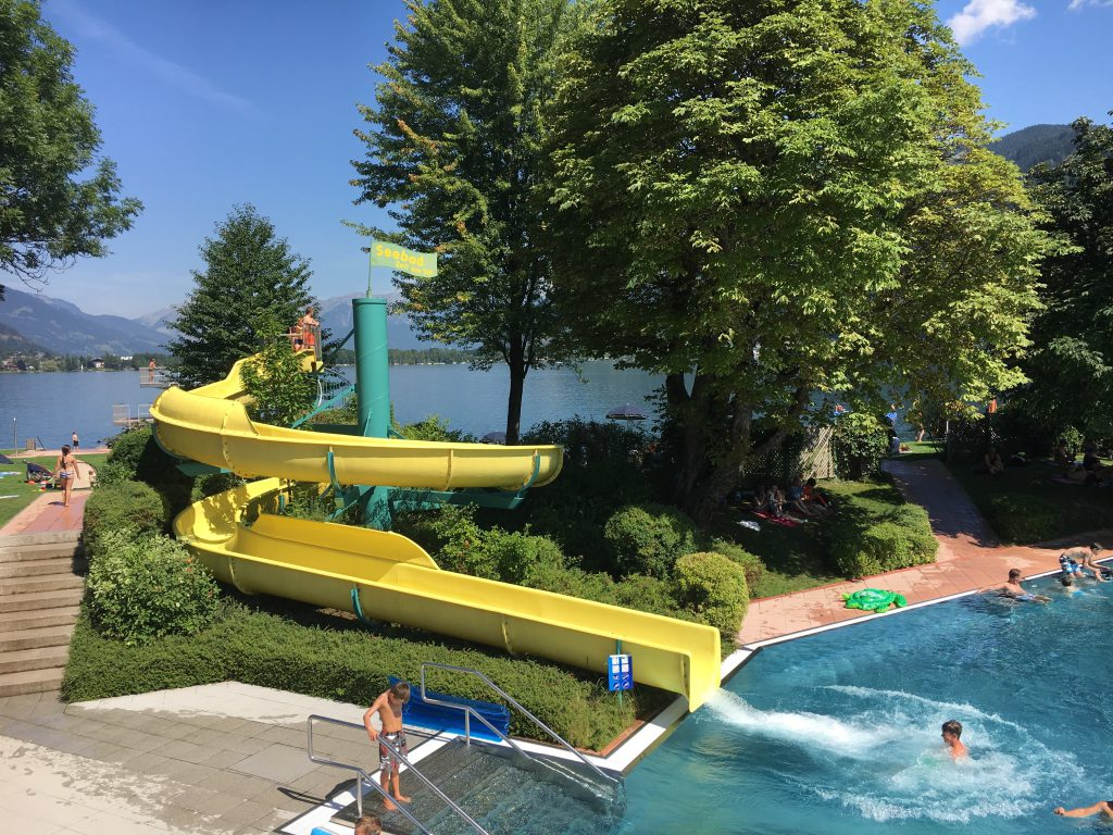 Die Top 11 Ausflugsziele in Zell am See/Kaprun mit Kindern: Strandbad in Zell am See