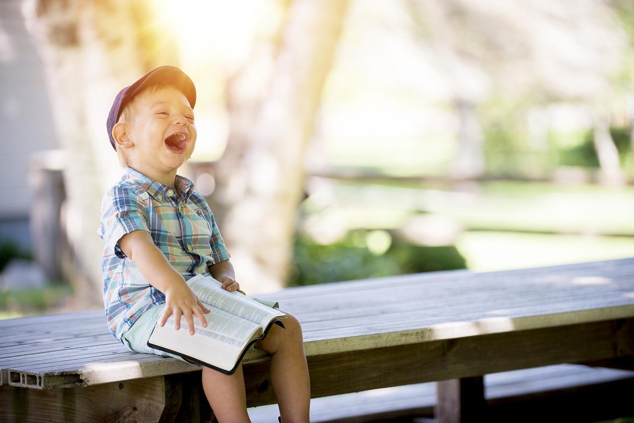 Kinder, Lachen