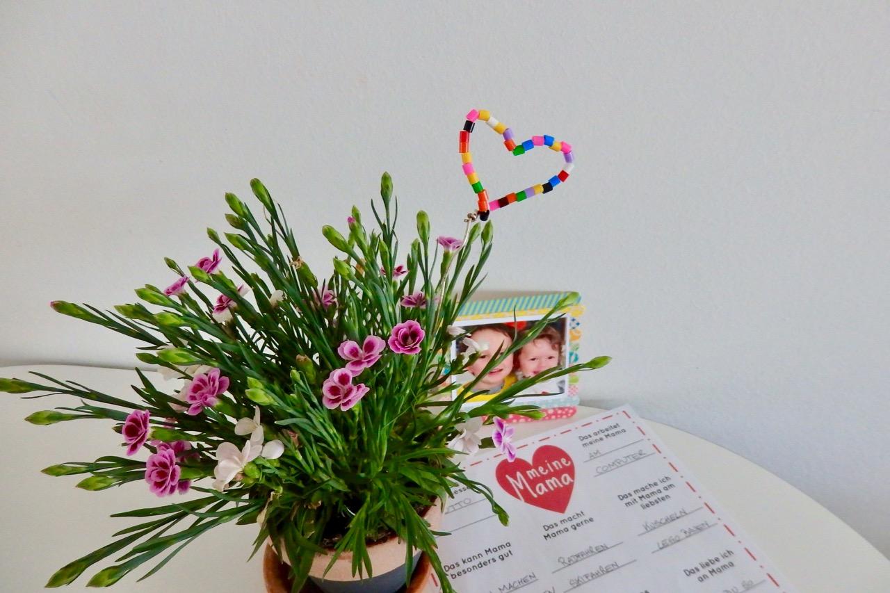 DIY zum Muttertag: Fragebogen Meine Mama - Freebie