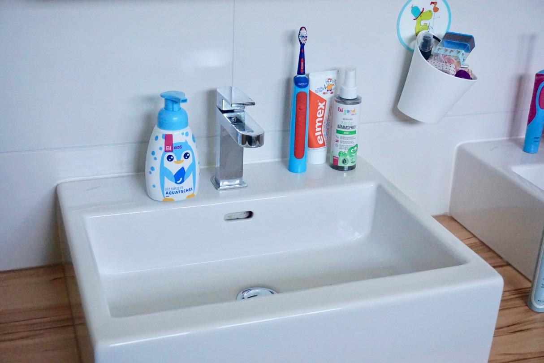 BI KIDS Badewanne Körperpflege mit Kindern